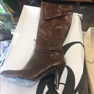 Nine West brown boots size 9 1/2M zip in back